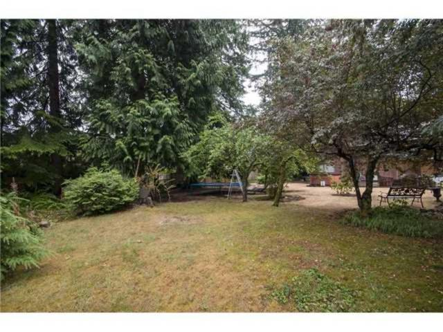 1090 Handsworth Road, Canyon Heights NV, North Vancouver 2