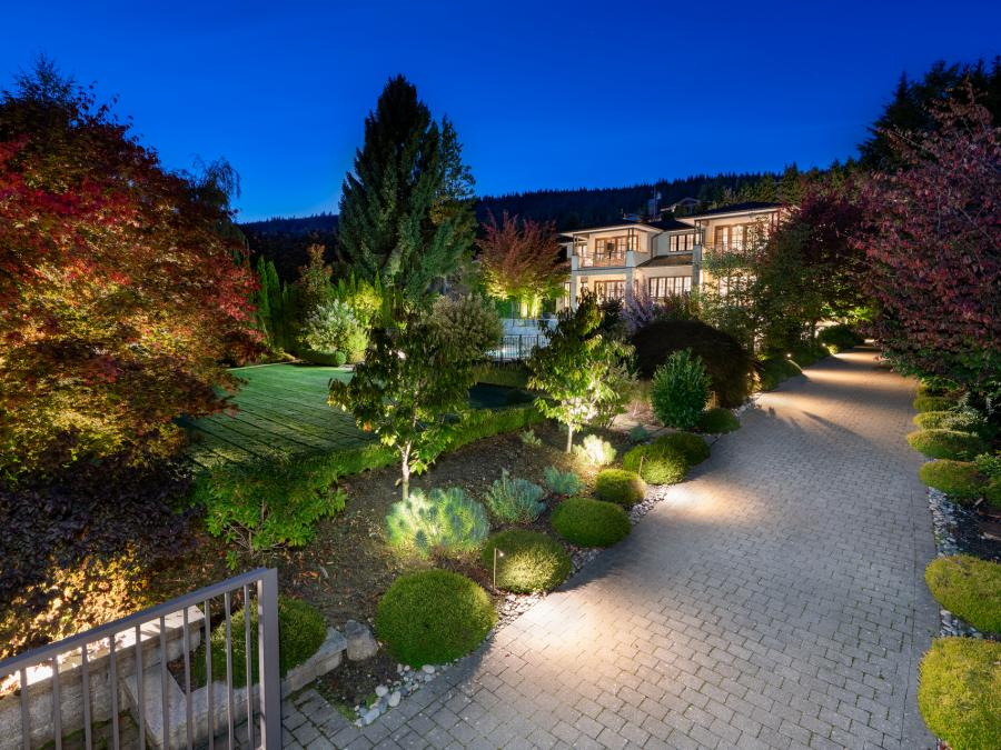 1075 Groveland Road, British Properties, West Vancouver 2